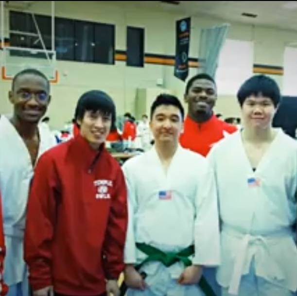 Temple University Taekwondo Club group picture.